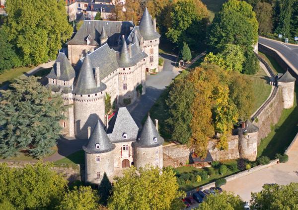 ChÉteau de Pompadour_600 (Photo Tim Mannakee - ADRT Corräze)